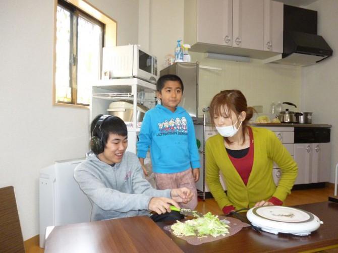 平成25年1月4日放課後デイサービス初登園です。さむーい朝、子供たちはとっても、元気です!