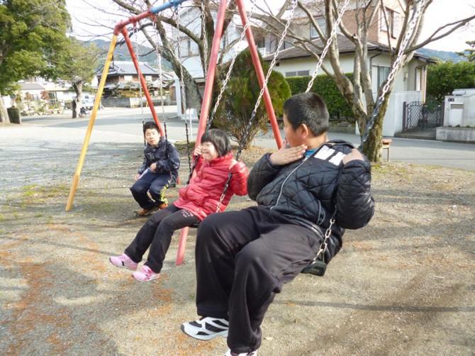 土曜日の放課後デイサービスの子供たちです。さむーい冬・・・でも、子供たちはみんな元気です!