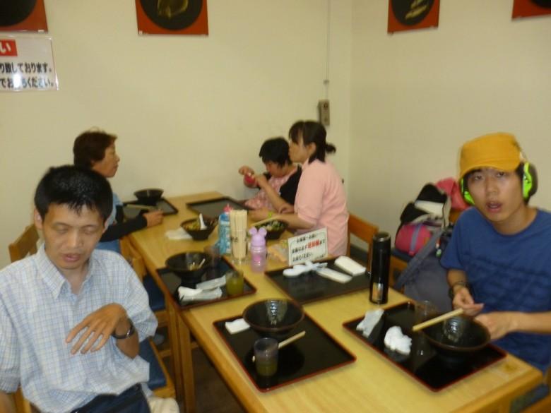まごころランド7月の移動支援は 和歌山県南紀白浜とれとれ市場・新庄総合公園・海鮮せんべい南紀に行ってきました!